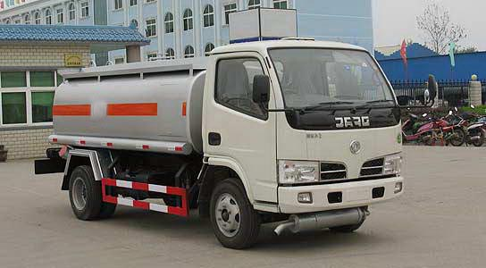 东风金霸化工液体运输车